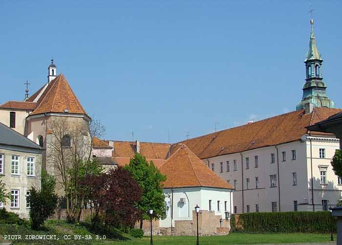 UM Kalisz:                              Edukacyjny plac zabaw powstał przy ZS-P nr 2